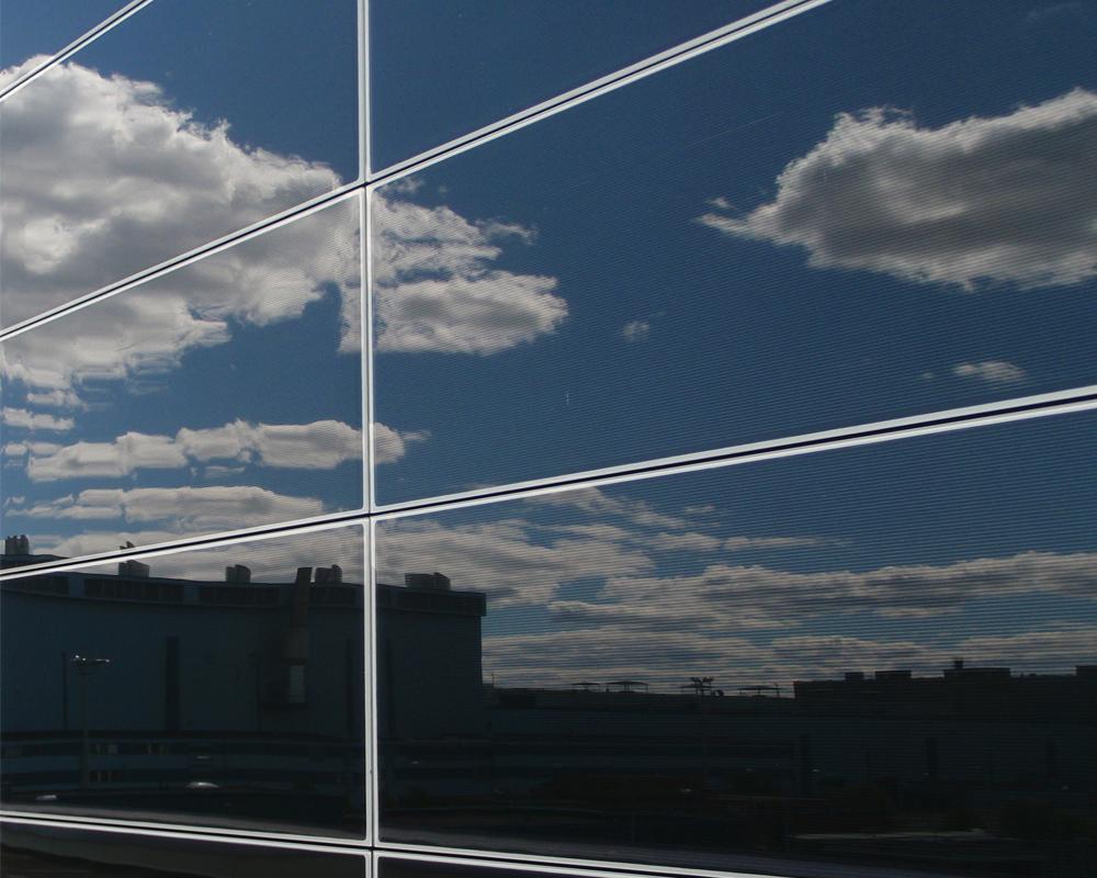 integruota saulės energijos fasado plokštė